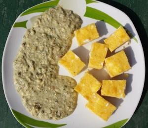 Качамак с франкфуртски зелен сос